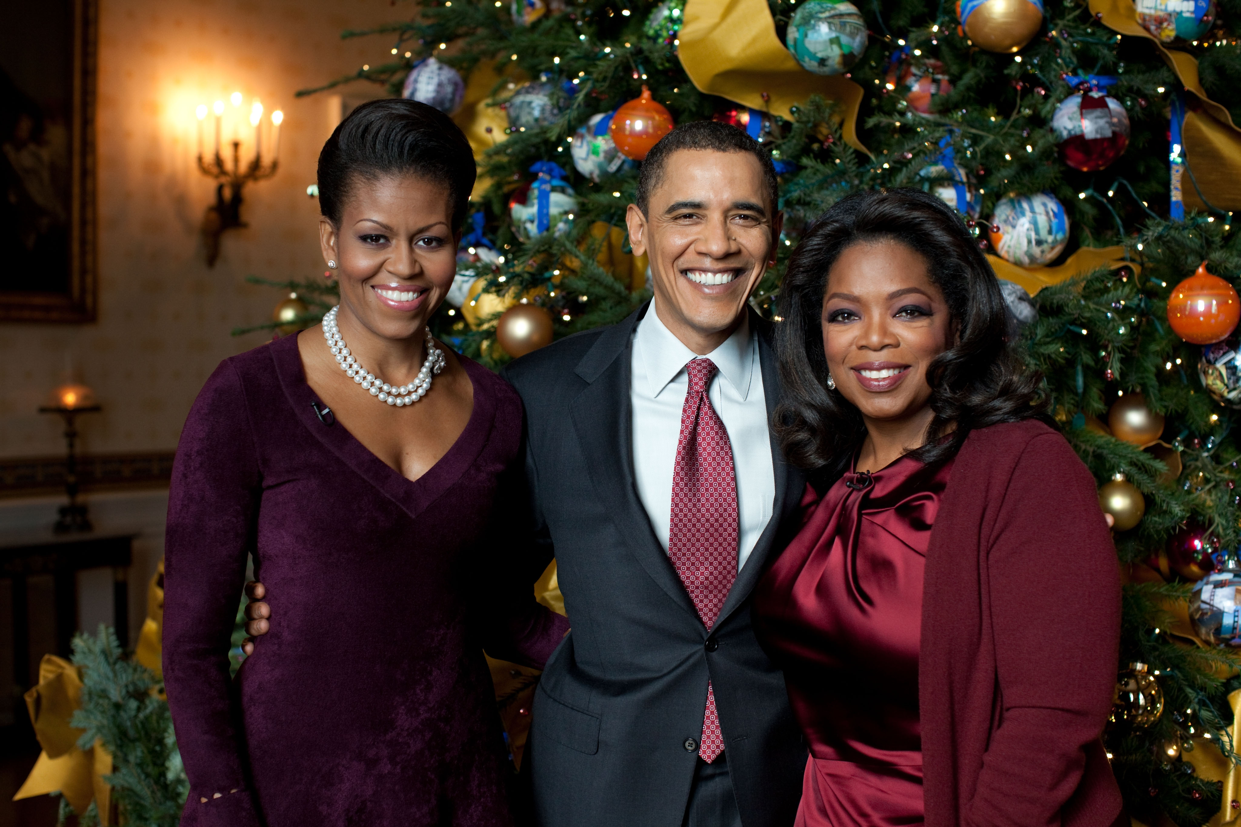 Obama\'s Favorite Gift Revealed In Oprah\'s Christmas Special, First ...