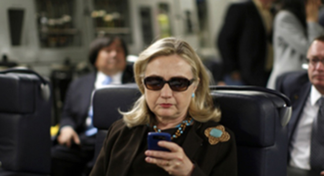 hillary boomlet hits new gear as texts from hillary explodes