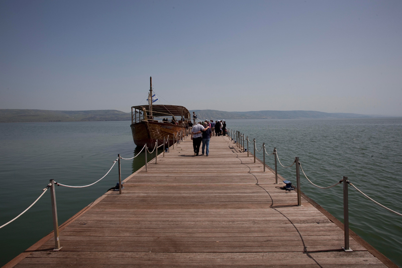 Submerged Structure Beneath Sea of Galilee Stumps Archaeologists