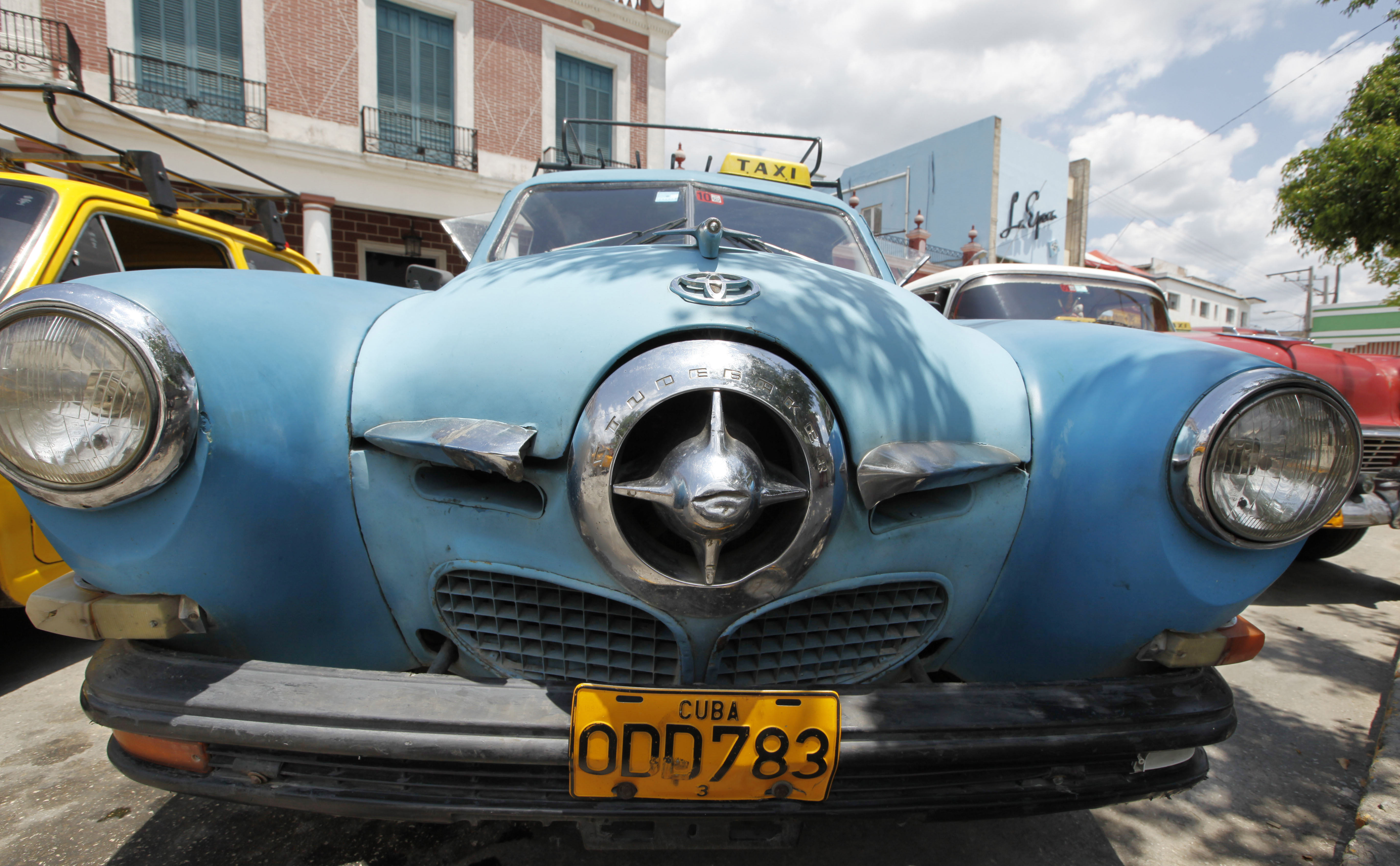 Cuba Is An Amazing Time Capsule Of Classic American Cars Talking 1950s Oldsmobile