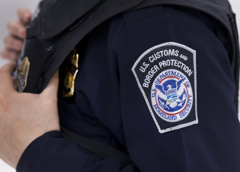 U.S. border agent charged in 2-week killing spree