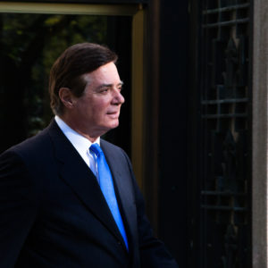 WASHINGTON, DC - OCTOBER 30: Former Trump Campaign Manager Paul Manafort leaves the United States Court House after his indicement hearing in Washington, DC on October 30, 2017 in Washington, DC. (Photo by Keith Lane/Getty Images)