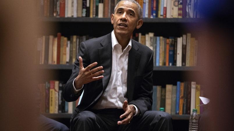 Former President Barack Obama speaks to Obama Foundation Fellows gathered on Wednesday, May 16, 2018 at Stony Island Arts Bank in Chicago, Ill. (Erin Hooley/Chicago Tribune/TNS)