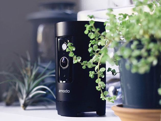 The Zmodo Pivot Wireless Camera System is an affordable, all-in-one security powerhouse.
