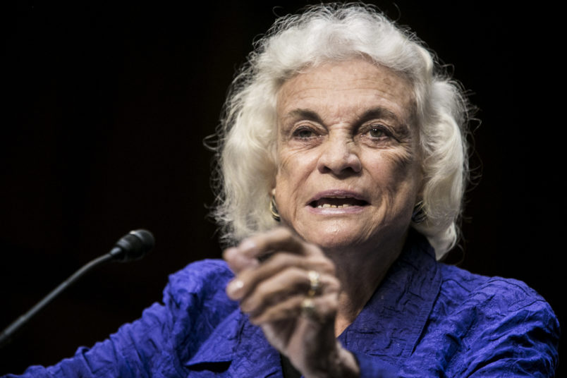 Justice O'Connor announces she has been diagnosed with dementia, 'probably Alzheimer's'