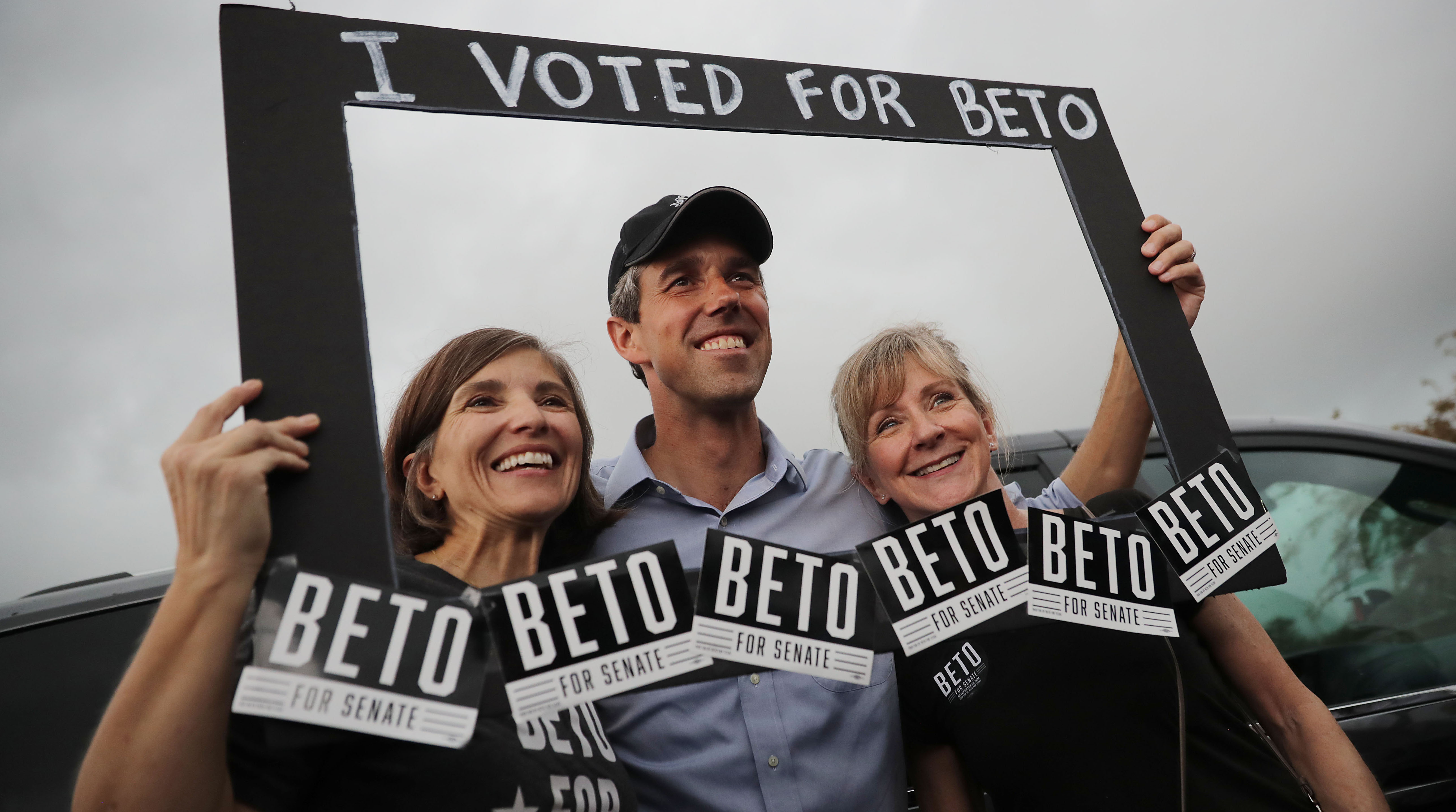 SAN ANTONIO, TEXAS - OCTOBER 31: U.S. Senate candidate Rep. Beto O'Rourke (D-TX) poses for photographs with supporters during a campaign rally at Gilbert Garza Park October 31, 2018 in San Antonio, Texas. With less than a week before Election Day, O'Rourke is driving across the state in his race against incumbent Sen. Ted Cruz (R-TX). (Photo by Chip Somodevilla/Getty Images)