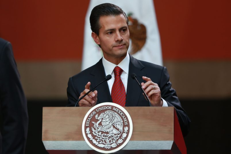 Mexicans React To Bombshell Claim Peña Nieto Accepted 'El Chapo' Bribe
